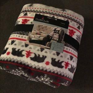 Brand new cozy soft, Sherpa fleece blanket!
